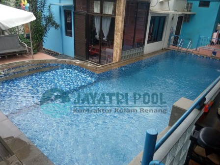 kolam renang klien yang dibuat oleh team jaya tri pool